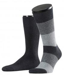 2 Paar Socken, mit Streifen und uni